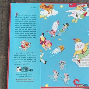 Mary Engelbreits Accents - Mary Engelbreit's Mother Goose Book 📖